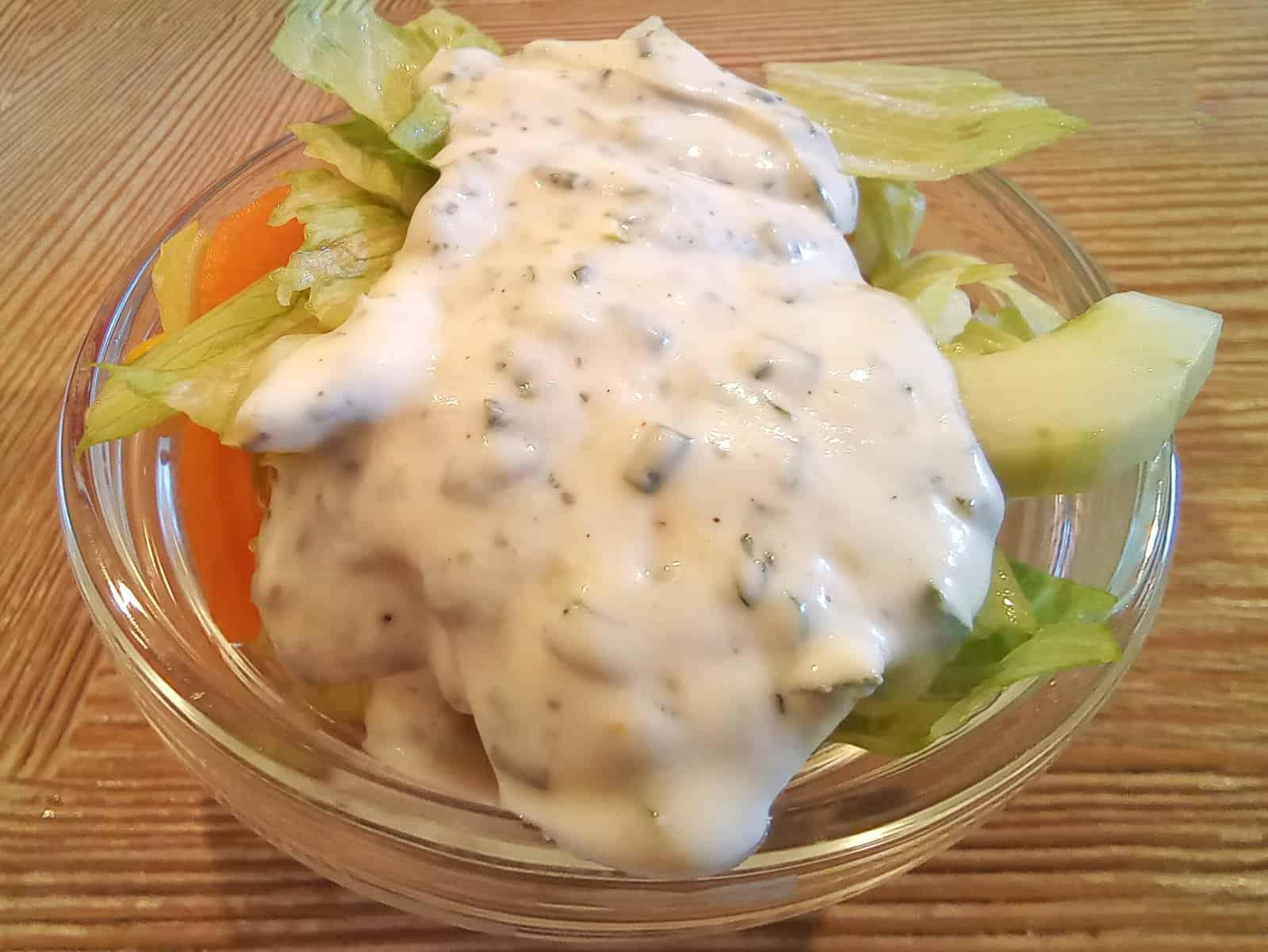 Beilagensalat mit Joghurtdressing