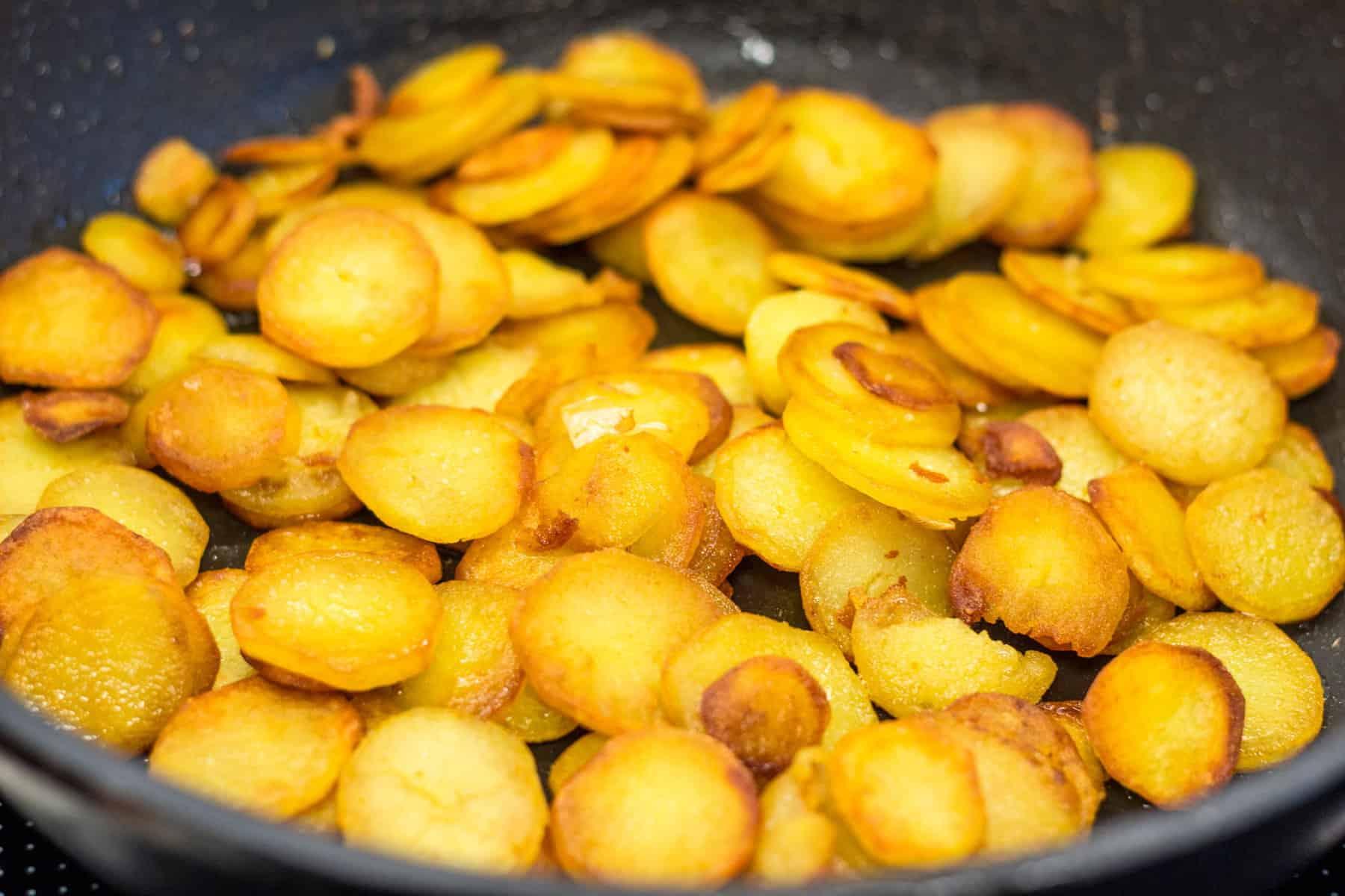 Bratkartoffeln aus frischen Kartoffeln