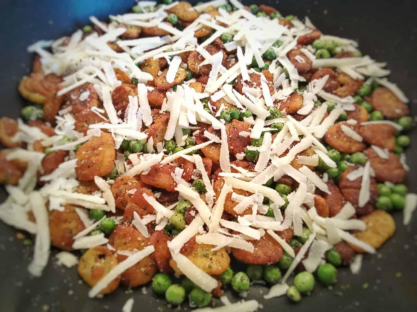 Gnocchi mit Erbsen und Parmesan