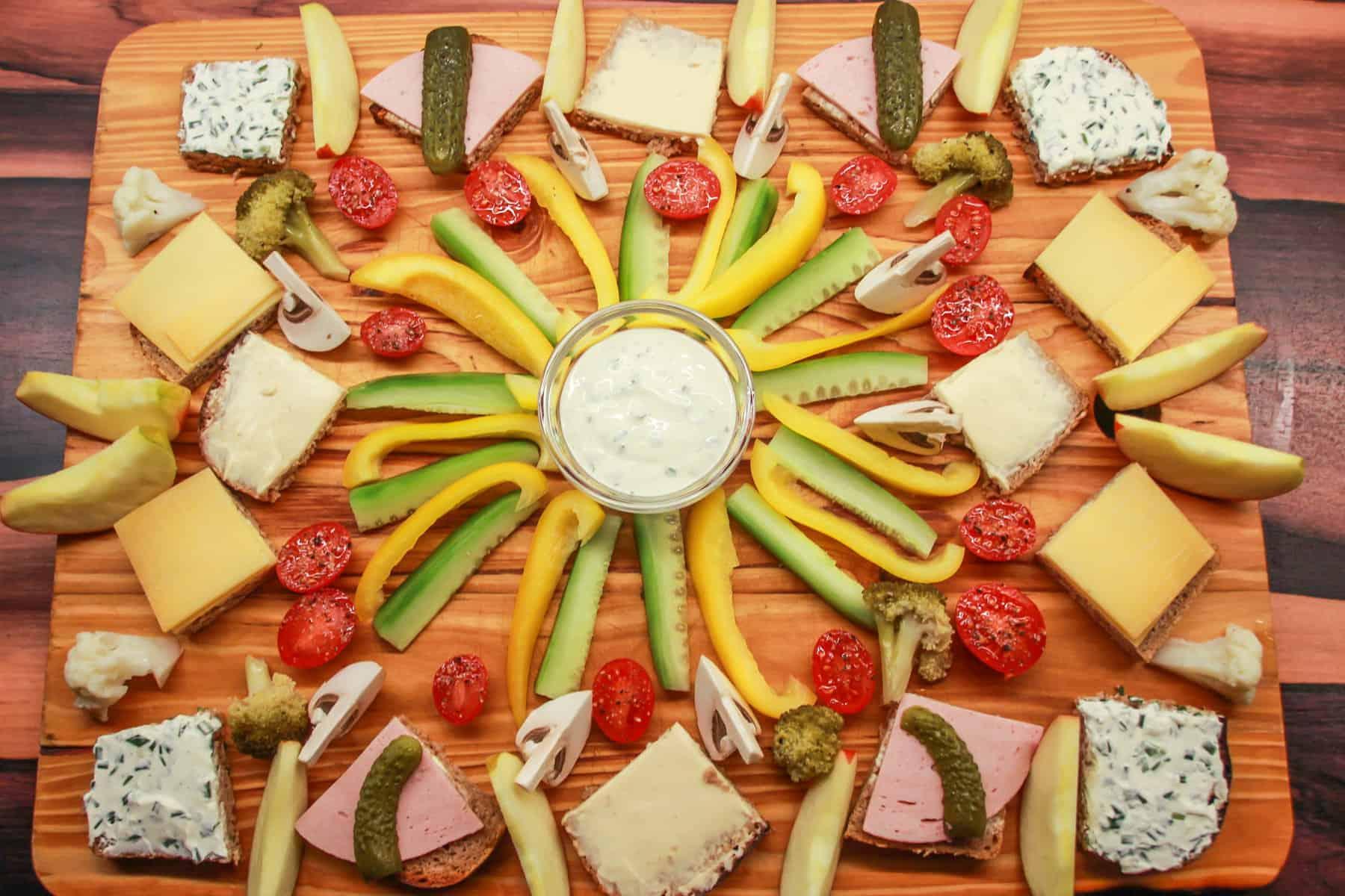 Kalte Platte mit Gemüse und Aioli